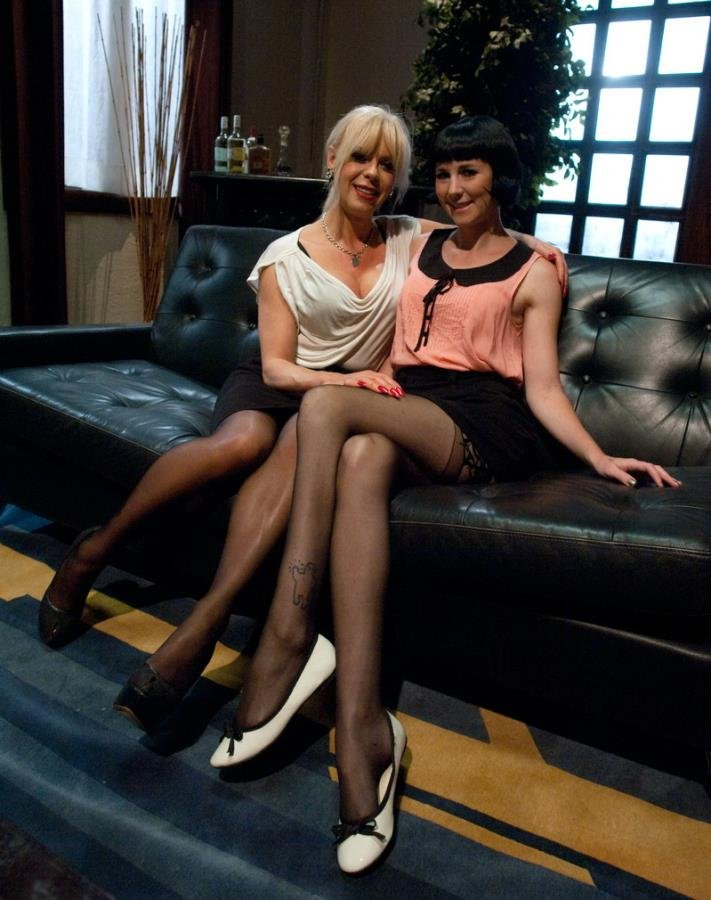Kink: (Coral Aorta and Joanna Jet) - Hitting It Big: Transsexual Casting Couch [HD 720p] (587.6 Mb)