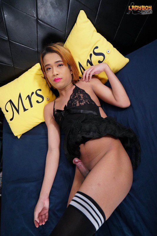 LadyBoy.xxx: (Nem) - Surprisingly Hot Nem Is Back! [FullHD] (909,55 Mb)