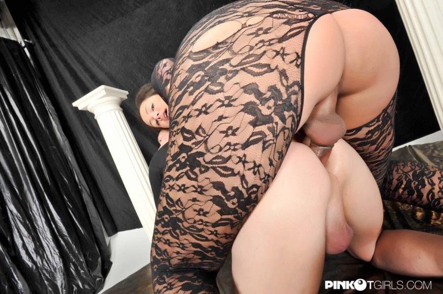 PinkOTgirls.com: (Amanda Mantovani) - Amazing Fuck And Cum! [SD] (82.01 Mb)