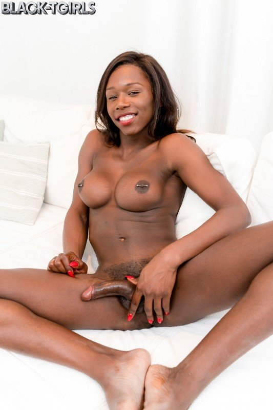 Black-TGirls.com: (Kendall Dreams) - Amazing Kendall Dreams! [FullHD] (1,02 Gb)