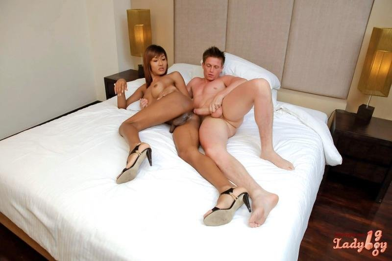 LadyBoy Goo: (Fish) - Tanned Totty Creampied  [HD] (461.35 Mb)