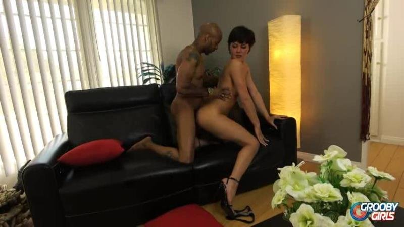 GroobyGirls.com: (Daisy Taylor, Soldier Boi) - Daisy Fucked By Soldier [SD] (375.86 Mb)