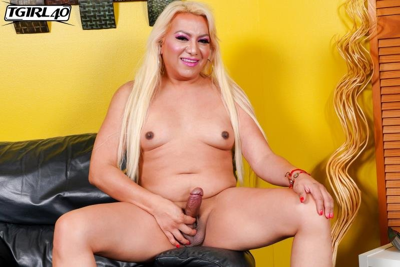 TGirl40.com: (Veronica Delicious) - Pretty And Lusty Veronica! [FullHD] (810.67 Mb)