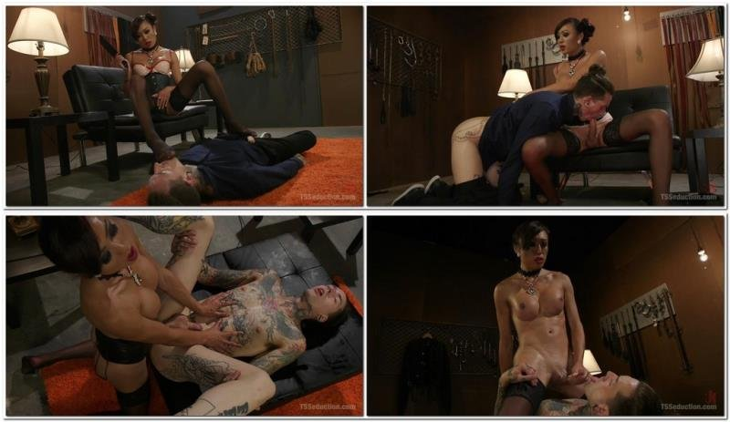 TsSeduction.com: (Venus Lux, Ruckus) - Sensual Domme Venus Lux Gets Worshiped and Fucks Her Obedient Slave [SD] (471,15 Mb)