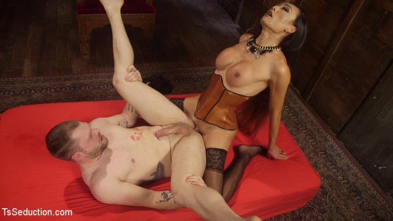 TSSeduction: (Mike Panic, Venus Lux) - Her Willing Slave [HD] (1,38 Gb)